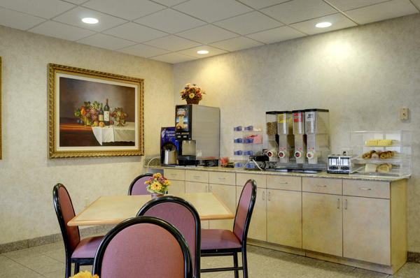Free Breakfast At Our Midway Airport Hotel