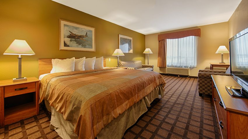 Midway Airport Hotel King Bed Room